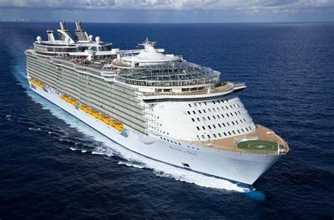 PALFINGER completes servicing of 'Allure of the Seas'